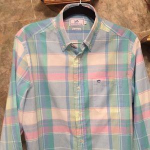 Southern tide 😎 button up longsleeve shirt.